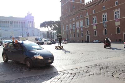 Policía italiana en acción