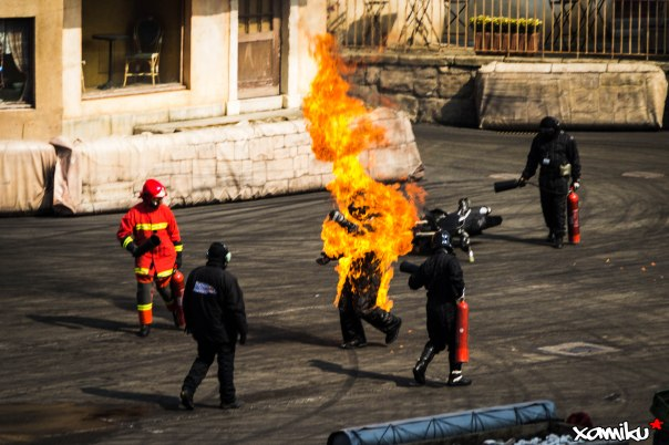 088/365 - Stunts